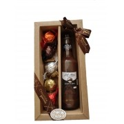 Kit Licor de Chocolate com Morango  + 5 trufas sortidas da Spinassi Campos do Jordão
