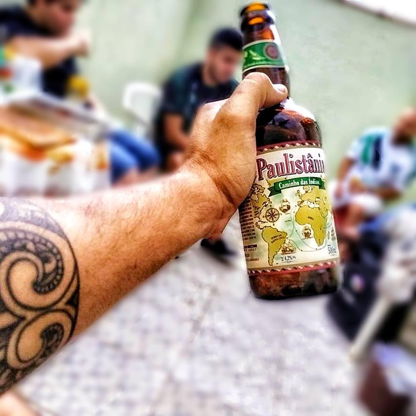 Na Caixa de Madeira com 4 Cervejas Paulistânia Caminho das Índias