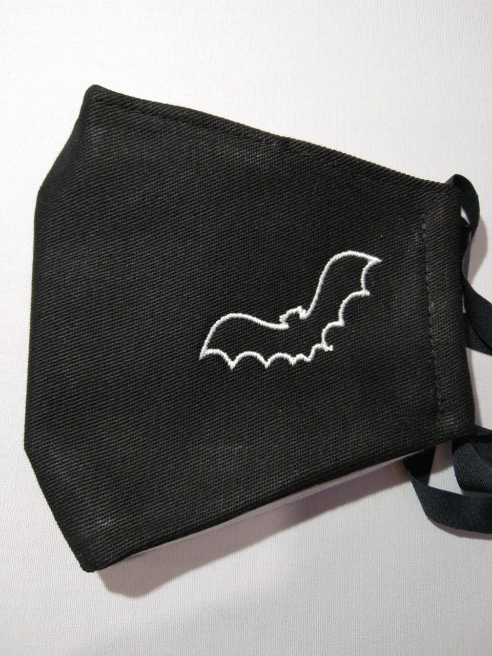 Máscara Bordada Morcego