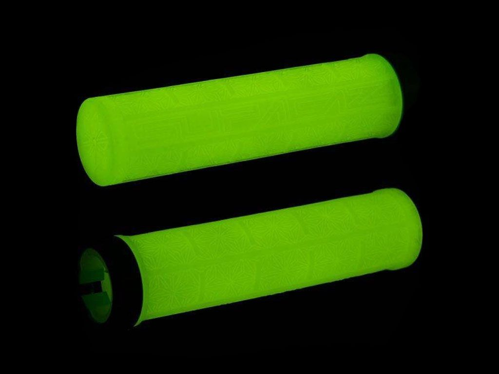 MANOPLA SUPACAZ GRIZIPS GLOW IN THE DARK (BRILHA NO ESCURO)