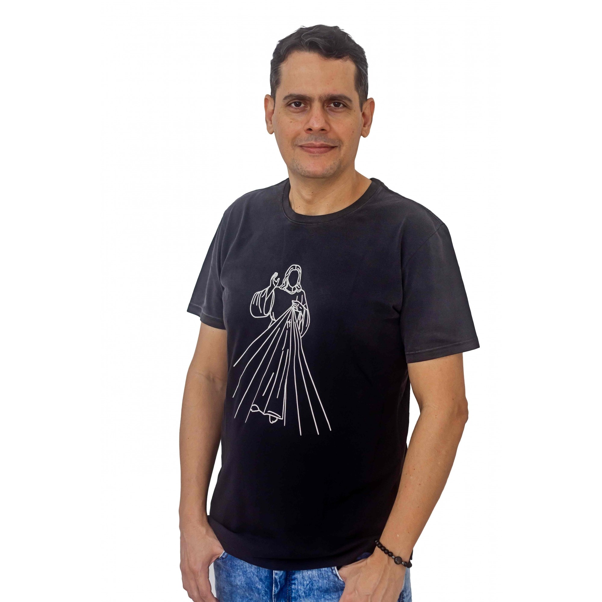 CAMISETA MASCULINA JESUS MISERICORDIOSO PRETA USED DEGRADÊ