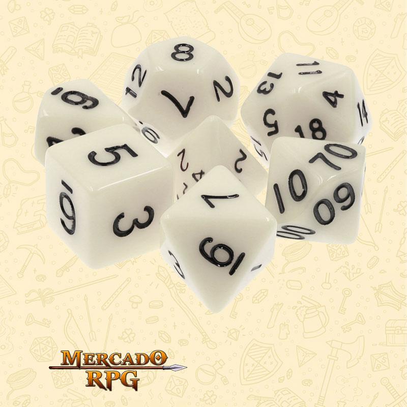 Dados de RPG - Conjunto com 7 Dados Opacos - Ivory Opaque Dice - Mercado RPG
