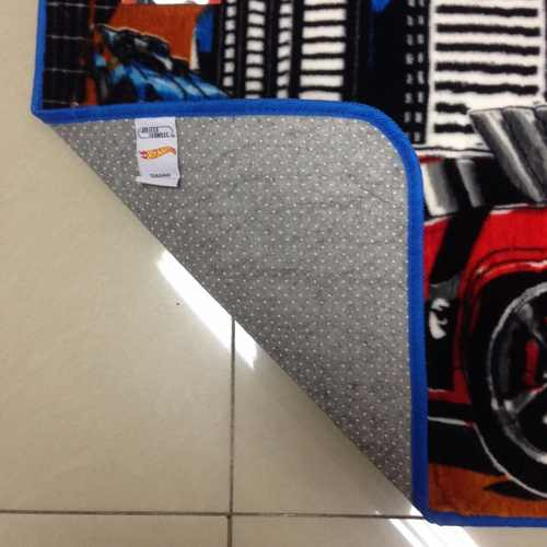 Tapete Infantil Jolitex Hot Wheels Desafio Mattel 0,70x1,10m