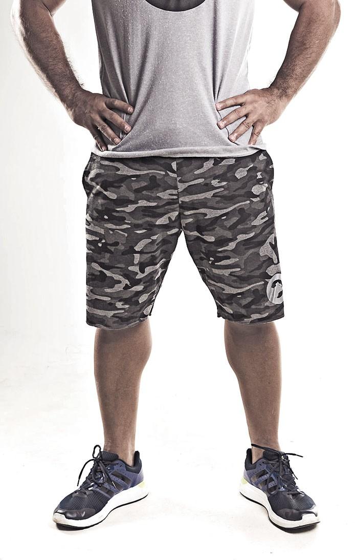 Bermuda de moleton masculina camuflada