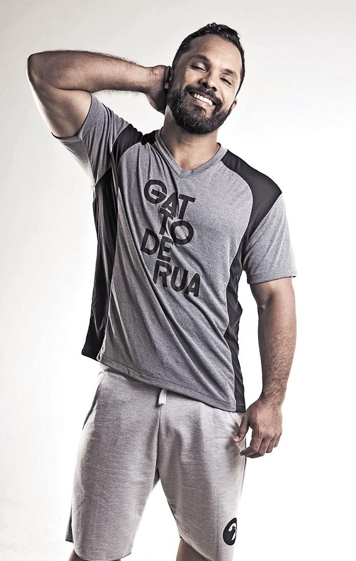 Camiseta manga curta masculina recortada action