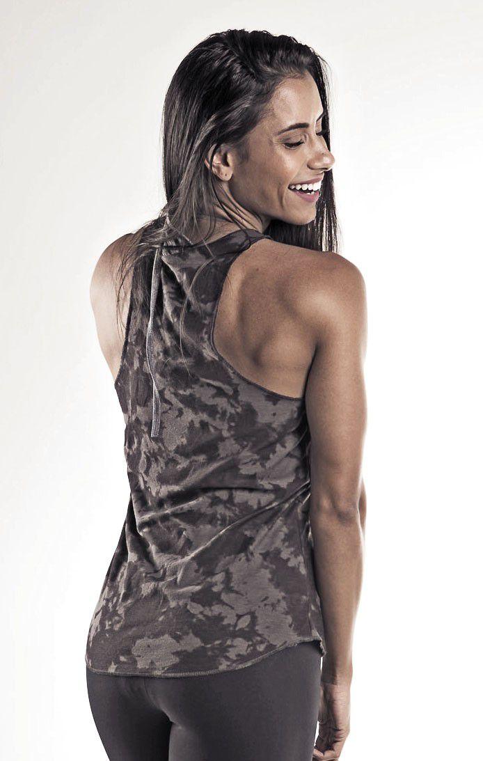 Regata Fitness Camuflada - Feminina