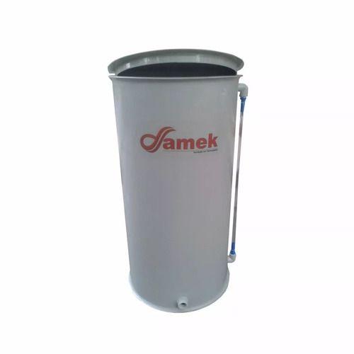 - Reservatório Plástico Com Tampa Articulada 450 L / Atóxico