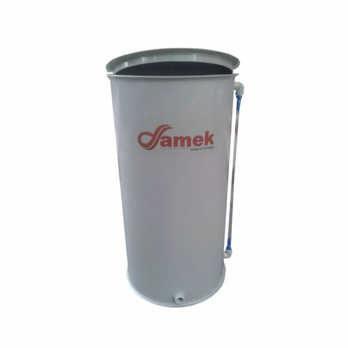 - Reservatório Plástico Com Tampa Articulada 300 L / Atóxico