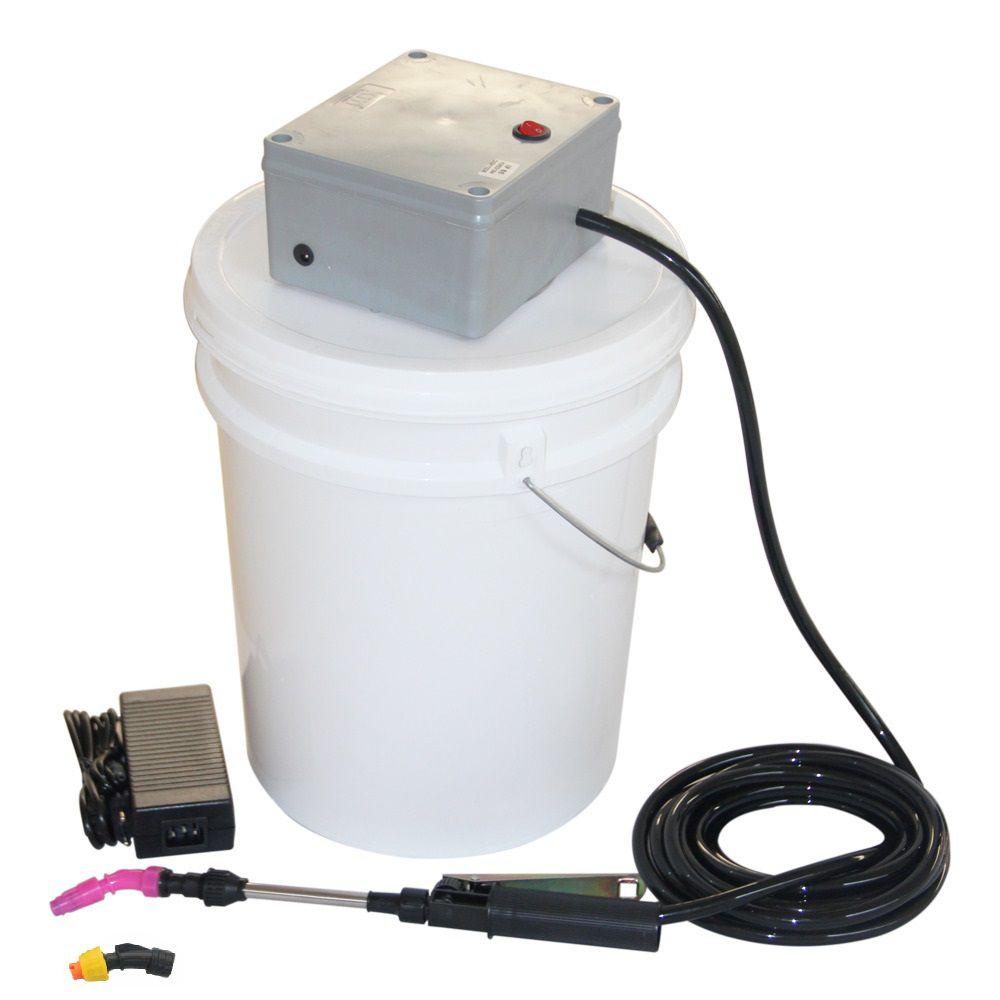 Lavadora Elétrica 18L 80PSI Carrinho + Bolsa Coletora Piso Teto + Balde de Plástico com Tampa 18 Litros