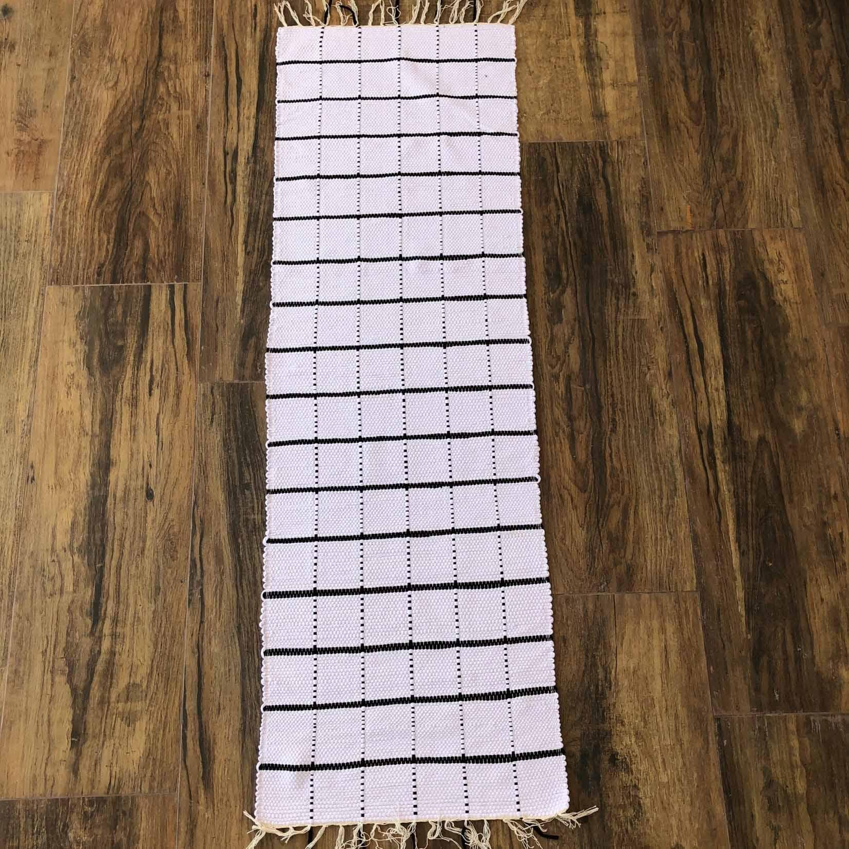Tapete Passadeira Grid Preto e Branco 1,55 x 0,50 cm