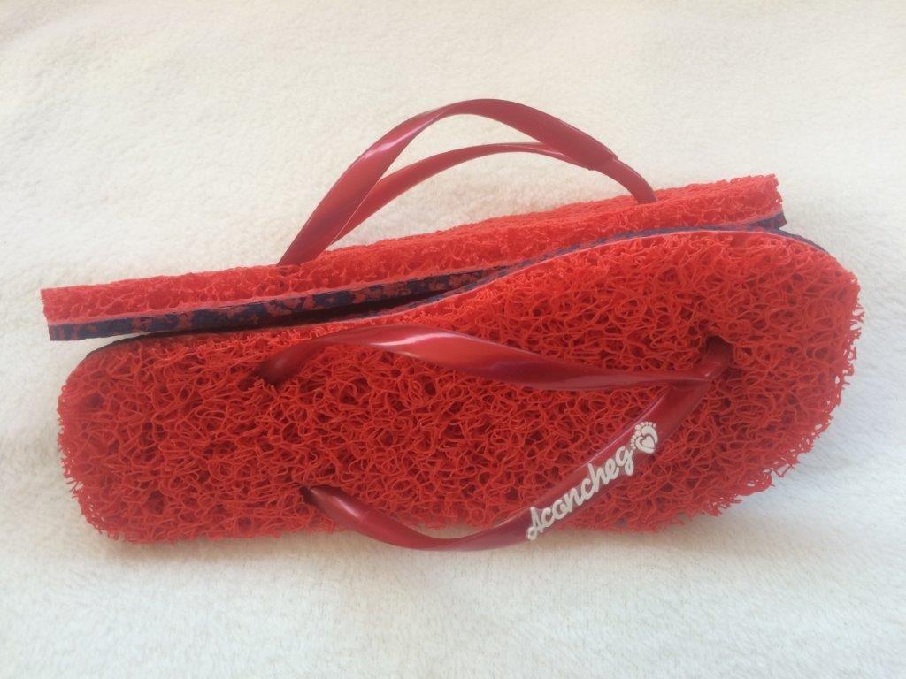 383f484be Chinelo com Solado Ecológico Vermelho com tiras vermelha