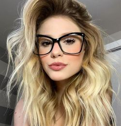 Armação De Óculos Feminino Quadrado Preto Giselle