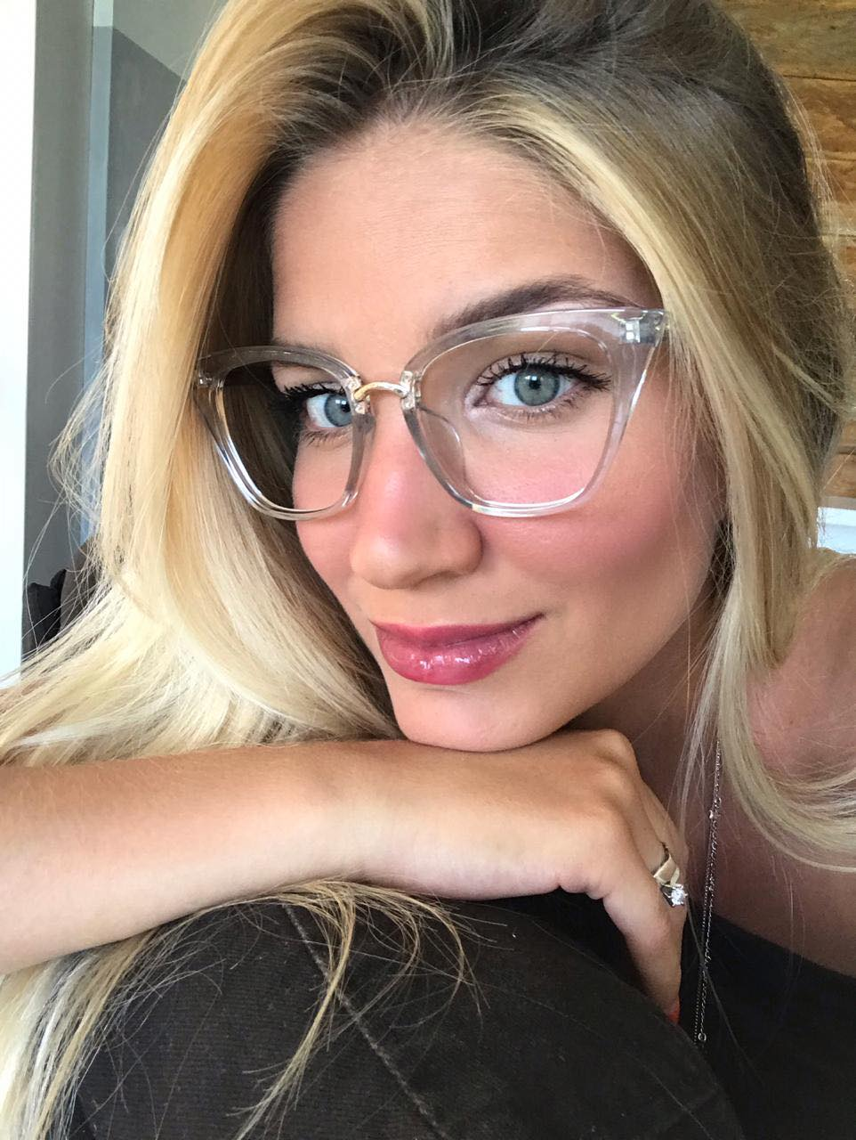 2ad88b18f Óculos de grau Mika Transparente | MilluShop