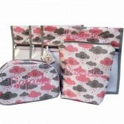 Saquinho Maternidade 3 Peças + 2 Necessaires - Nuvem Rosa com Cinza Personalizado