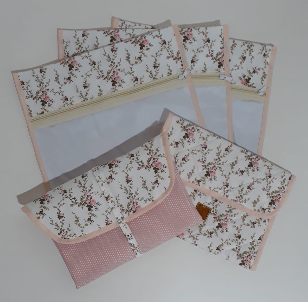 Kit Maternidade Floral- 3 Saquinhos + Porta Fraldas e Trocador