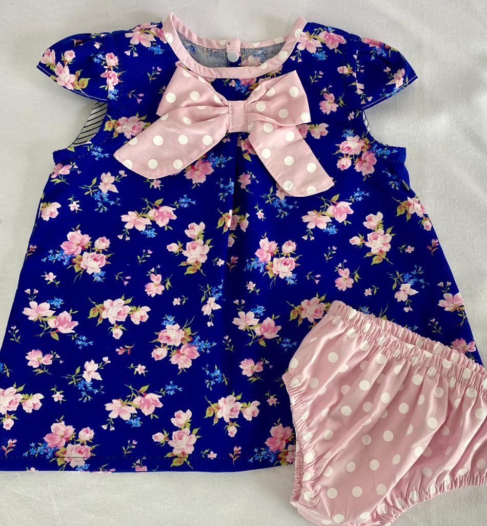 Vestido bebê Estampado floral com rosa + Calcinha