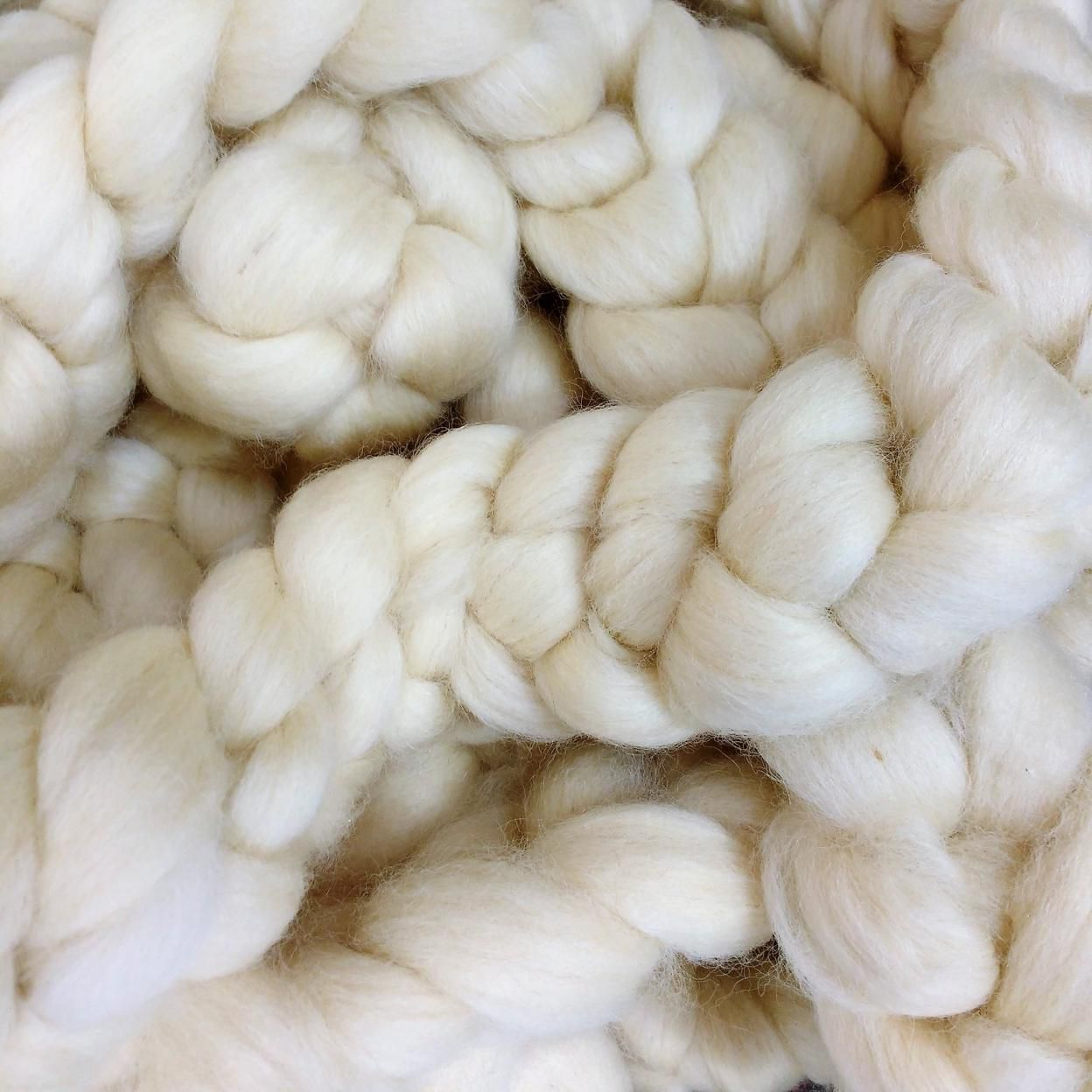 Lã Corriedale Branca para Tricô Gigante - 1Kg
