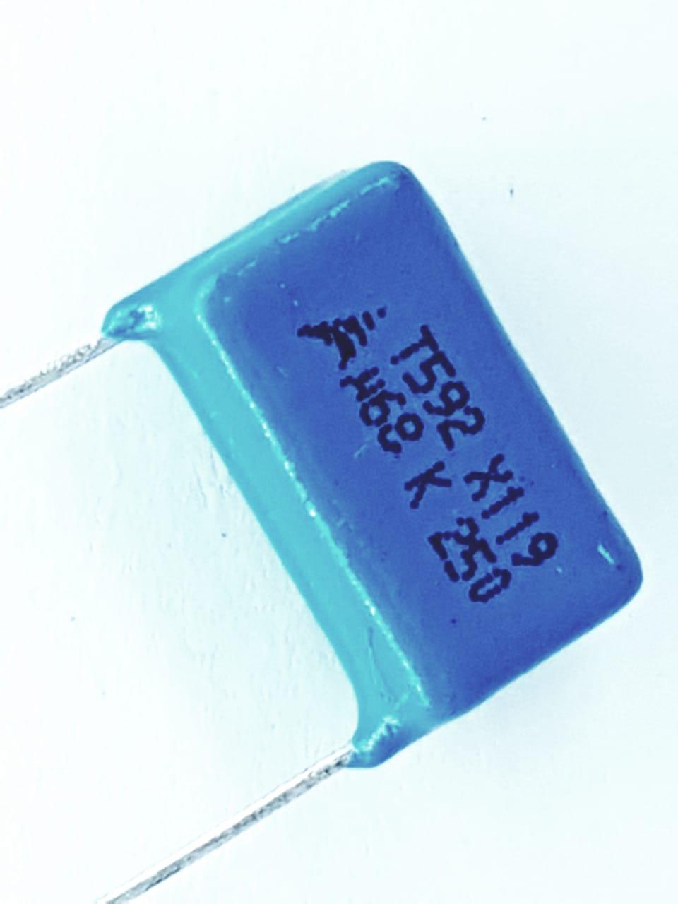 10 peças capacitor poliéster 68k x 250v Epcos T592