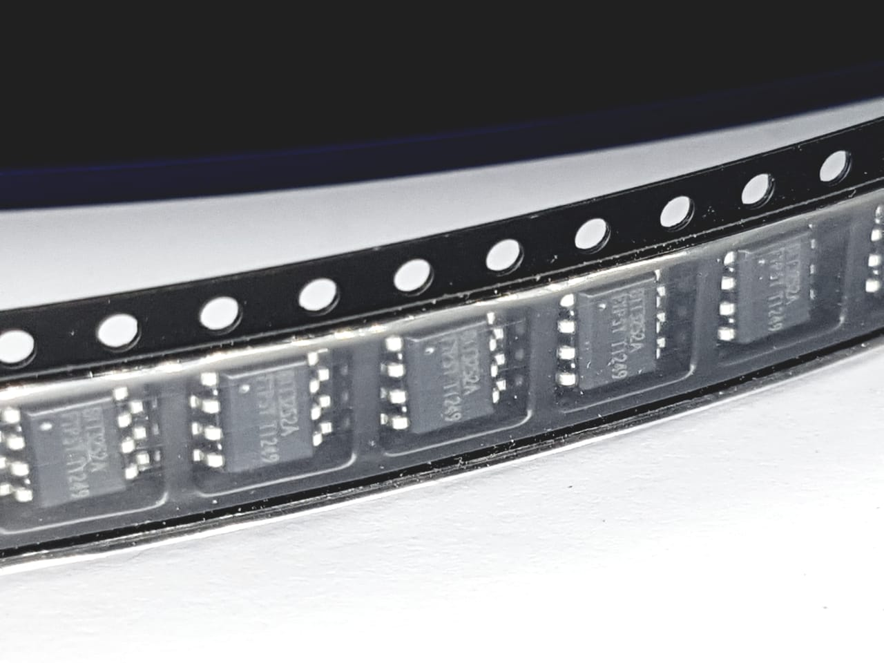 10 peças Circuito Integrado LEED DRIVER BIT3252A SOP8 monitor