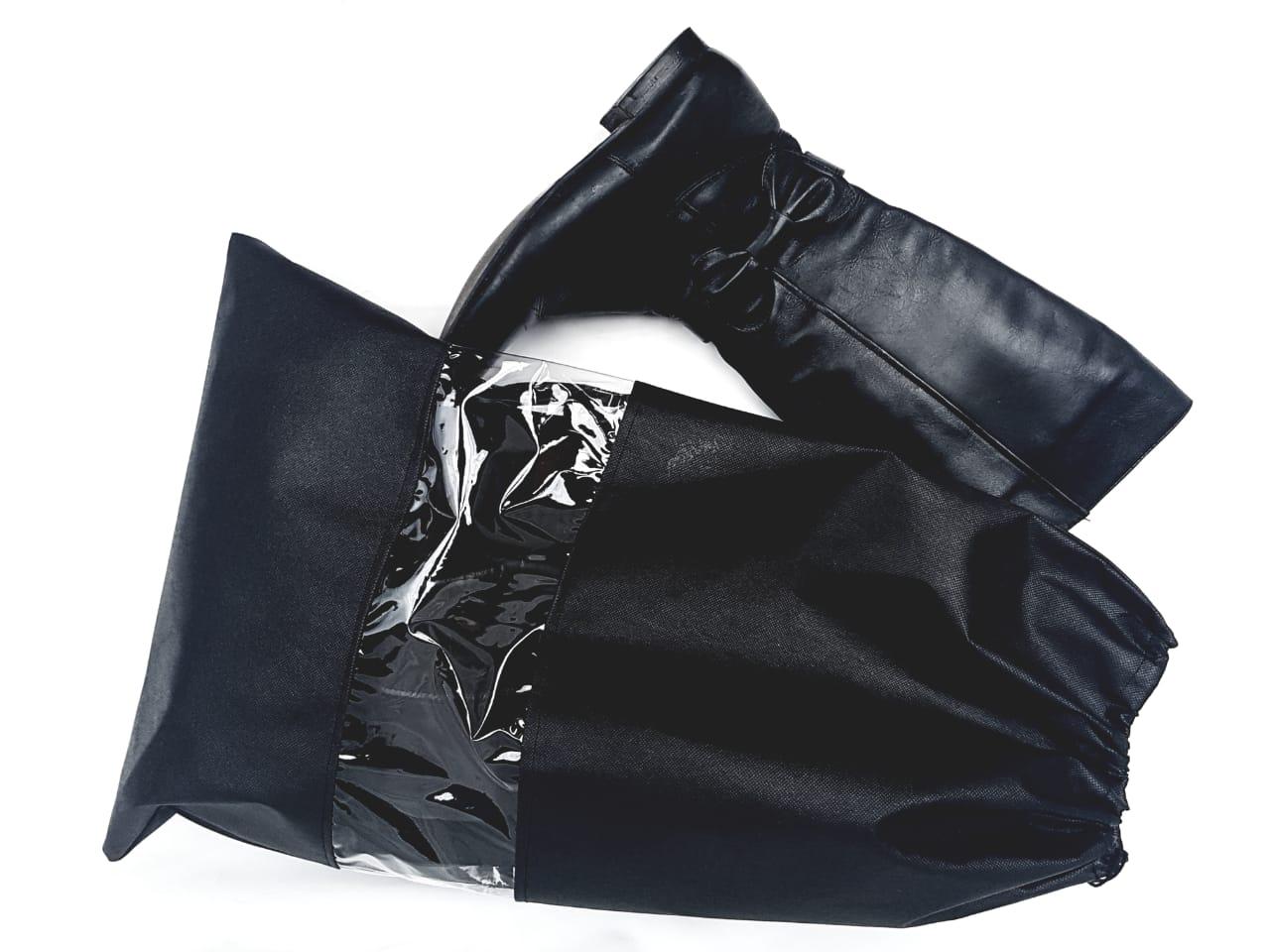 2 Sacos Organizadores para Botas de cano alto com visor transparente em TNT na cor preta