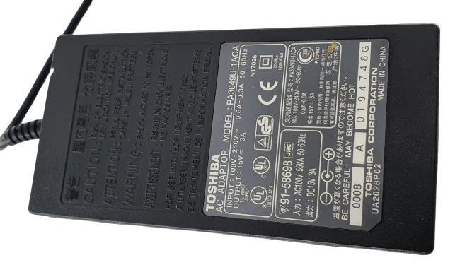 Fonte para Notebook  Satélite modelo Pa3049u 15v 3a  Original