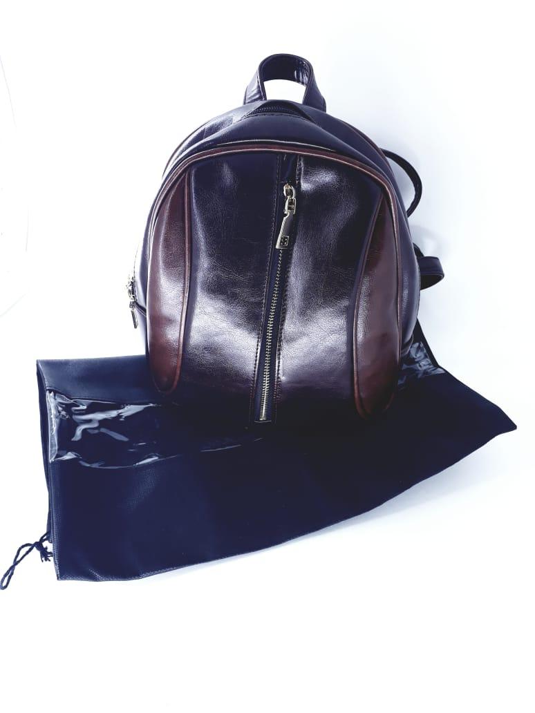 2 Sacos organizadores para bolsas e mochilas em TNT na cor preta com visor