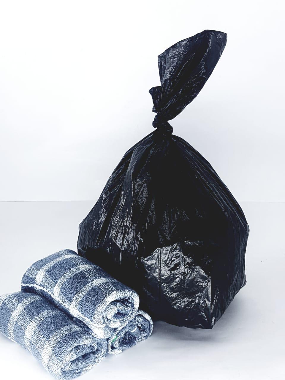 Saco De Lixo Plástico Preto 15 Litros Com 100 Unidades com 3 Panos de chão limpeza