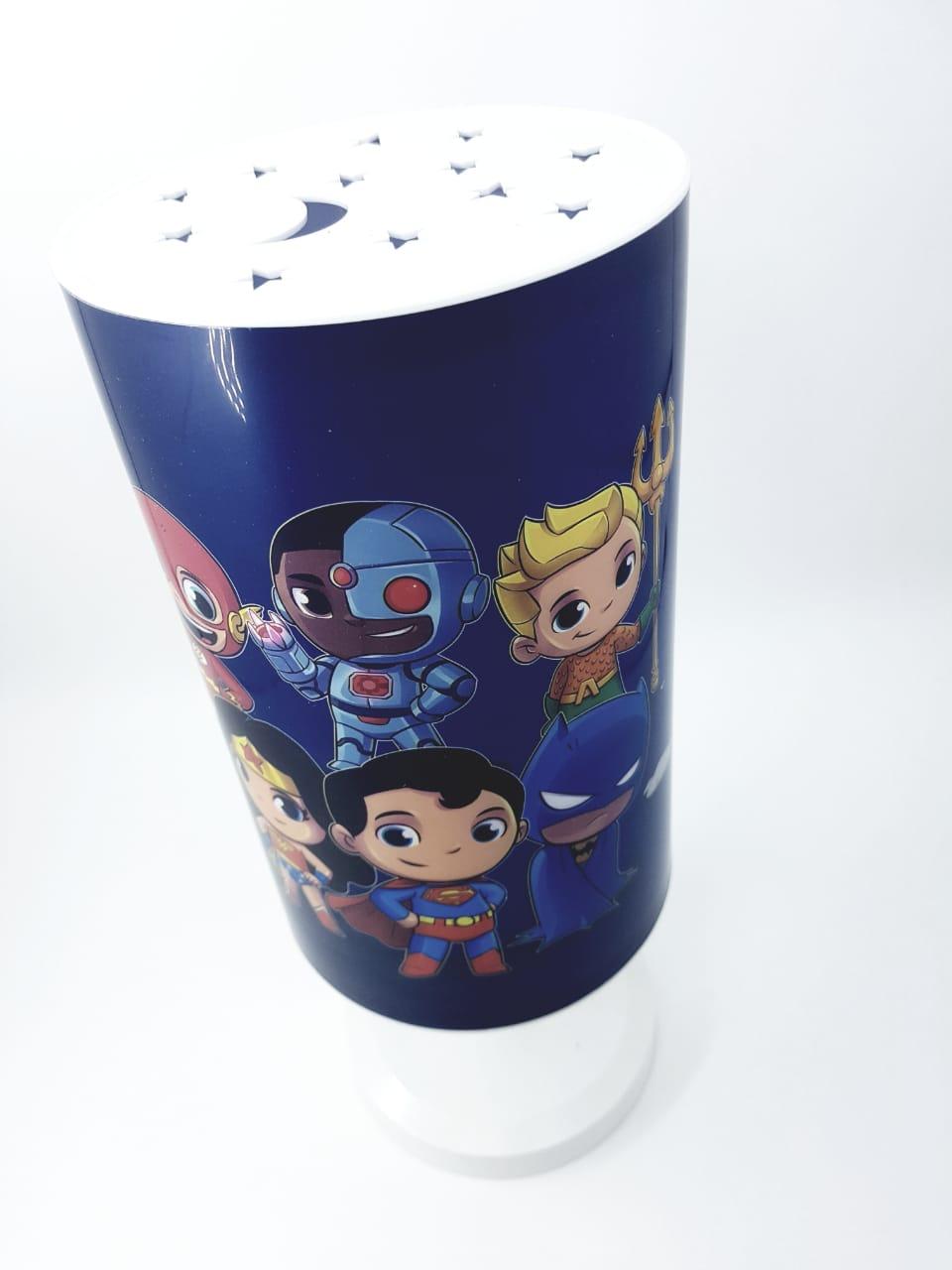Luminária de mesa Infantil Abajur Criança Super Herói Miniatura