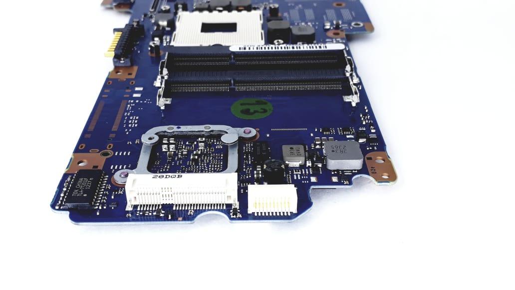 Placa mãe para Notebook da marca Semp Toshiba modelo R940 Tecra