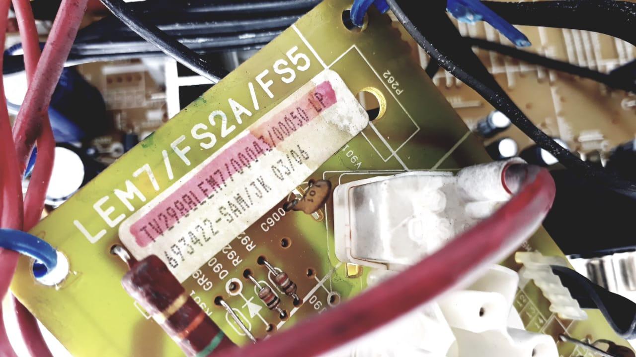 Placa para TV 29 polegadas de Tubo 2988  LEM7 da marca Semp Toshiba