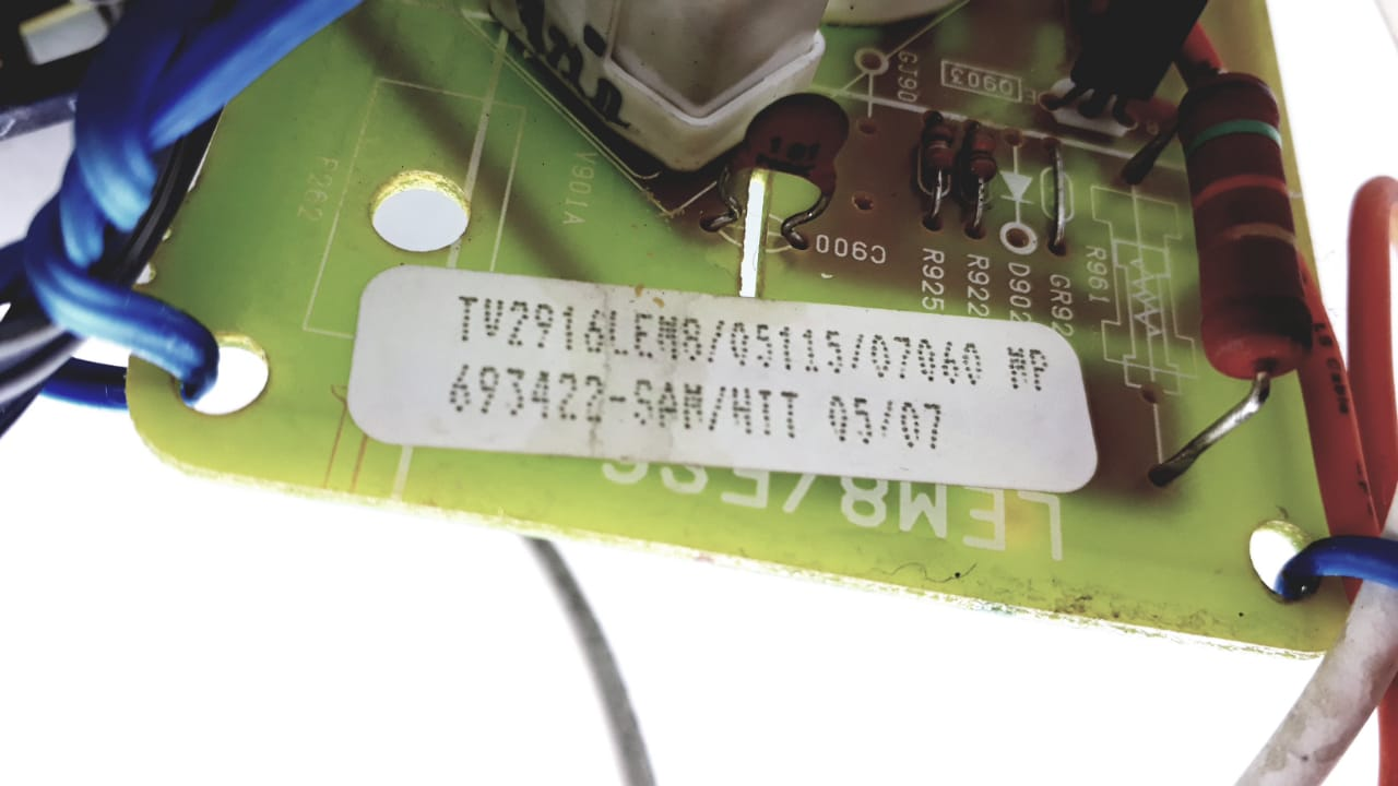 Placa para TV  de Tubo modelo TV 2916 LEM8 da marca Semp Toshiba