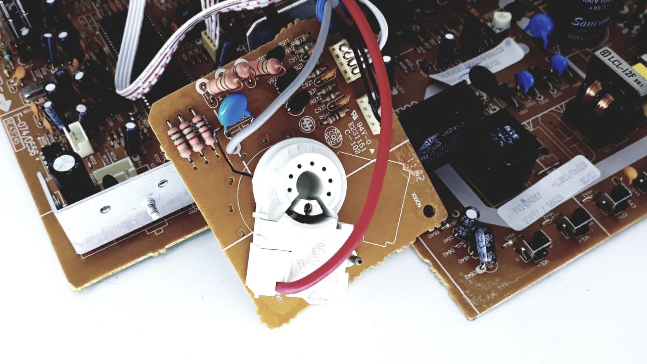 Placa Principal para TV de Tubo da marca Semp Toshiba modelo TV 1454 SKY  14 polegadas