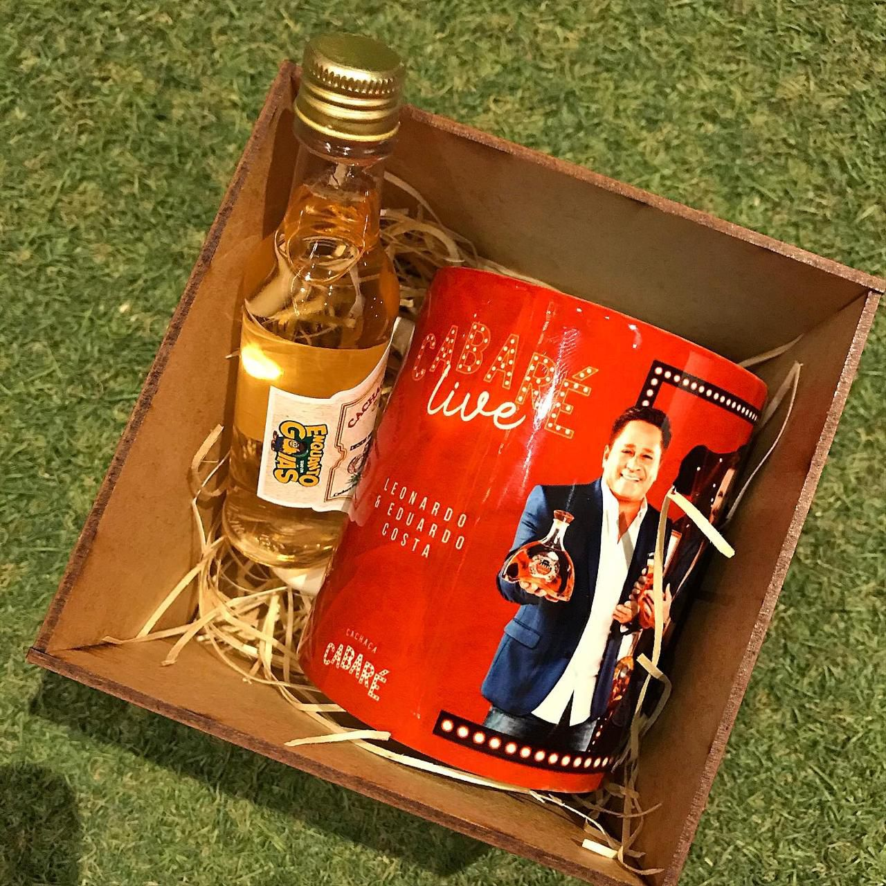 Caneca Cabaré com caixa personalizada 325ml