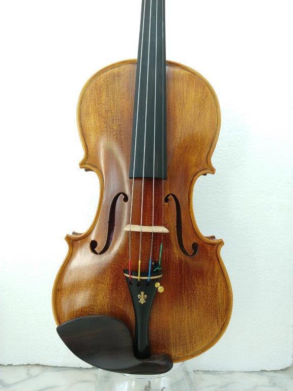 ÚLTIMA PEÇA - Violino feito à mão modelo strad 4/4 fundo inteiro