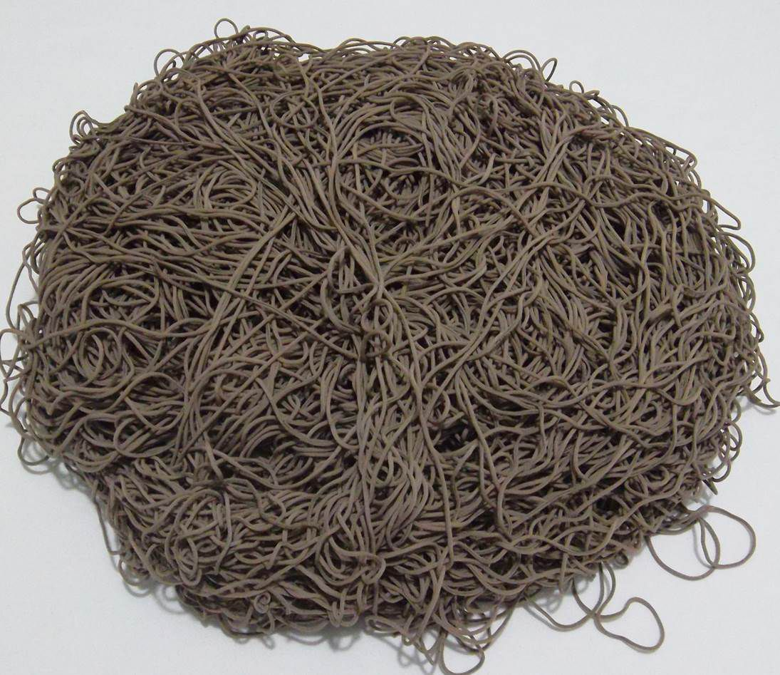 Tira de Macarrão/Espaguete 1.320g Marrom  - Bastex Artesanatos