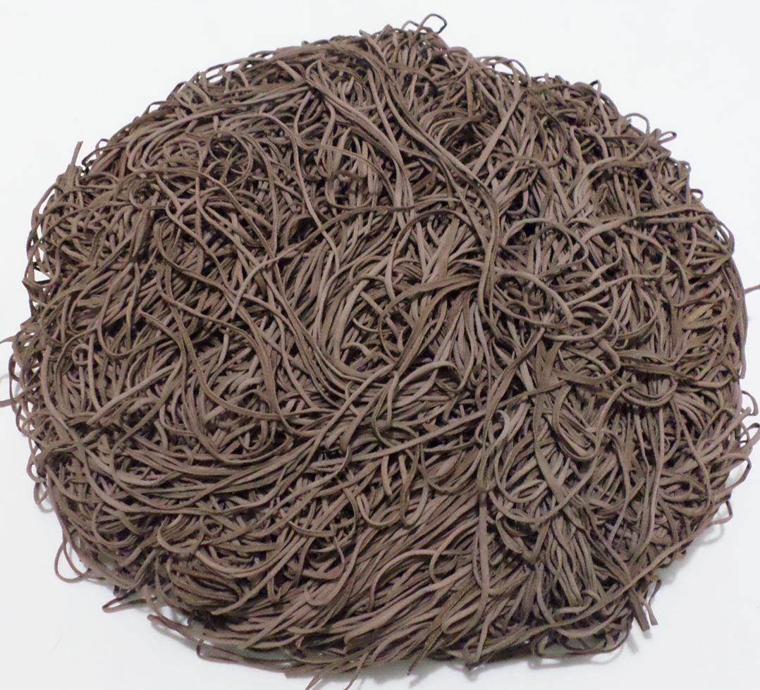 Tira de Macarrão/Espaguete 1.380g Marrom  - Bastex Artesanatos