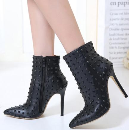 Bota Ankle Boots Spike Salto Fino