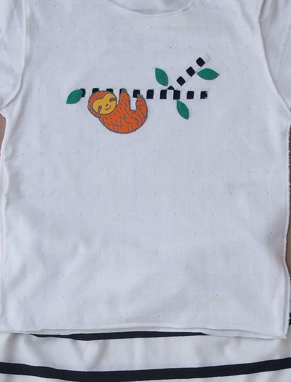Conjunto Camiseta e calça Listrada para bebê