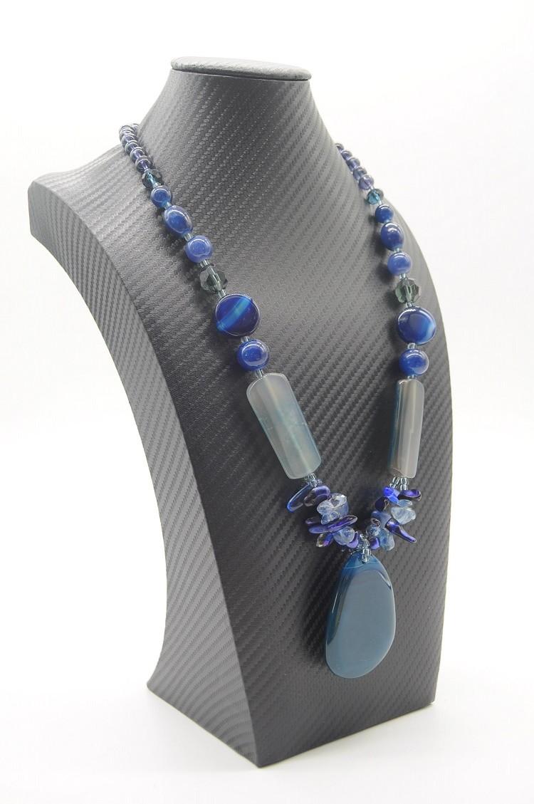 colar em pedra quartzo azul