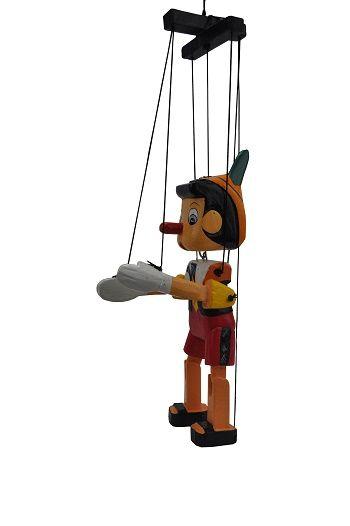 escultura de boneco pinoquio em madeira