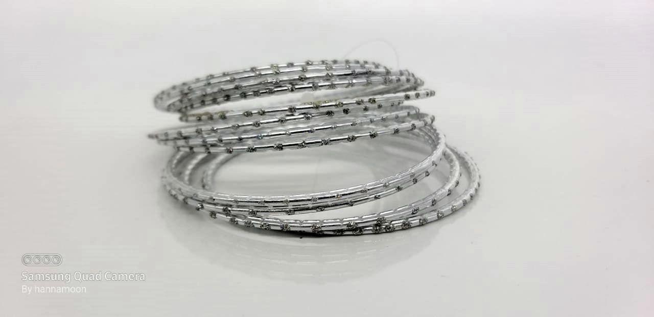 pulseira indiana em metal silver color