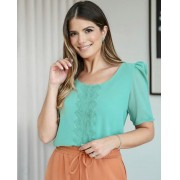 Blusa Ariane Crepe com Detalhe em Renda