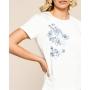 Camiseta Pandora Viscolycra Detalhe Estampa Bordada 8% Elastano