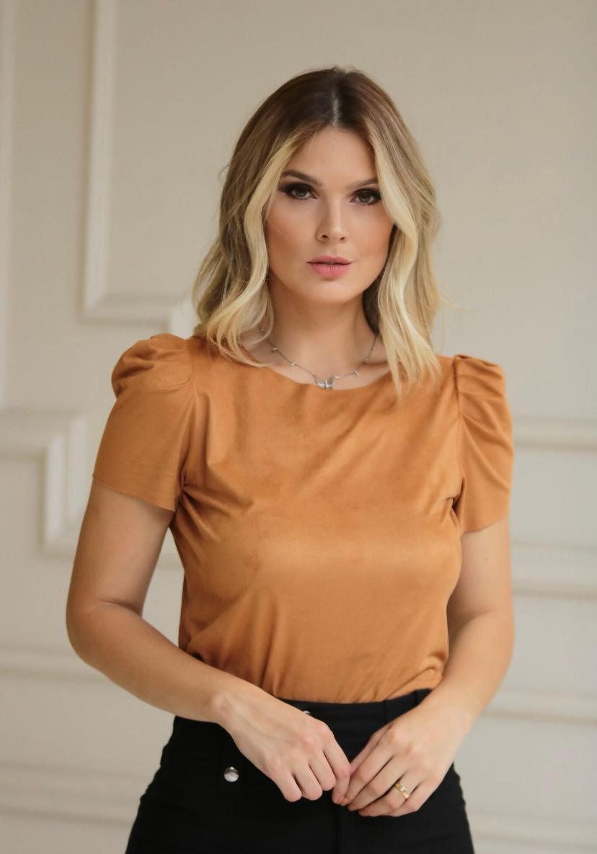 Blusa Angelina Suede Com Manga Bufante