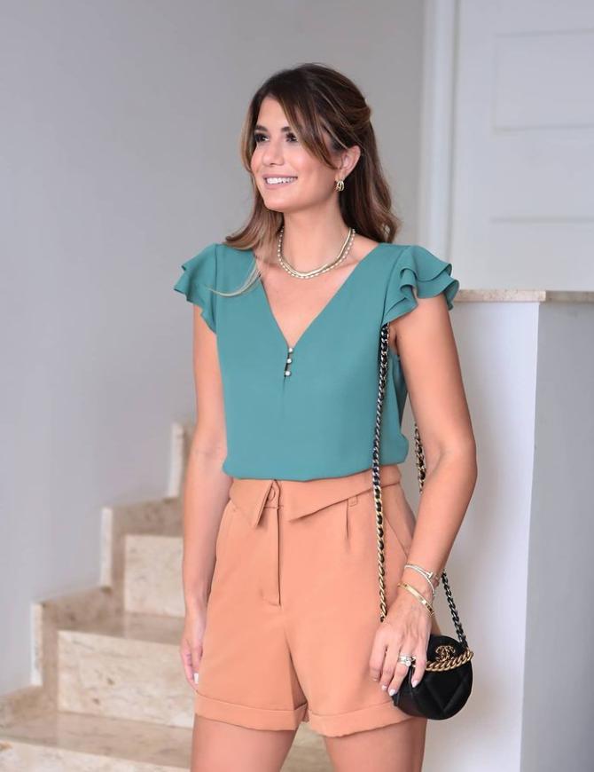 Blusa Ariane Crepe Botões De Pérolas