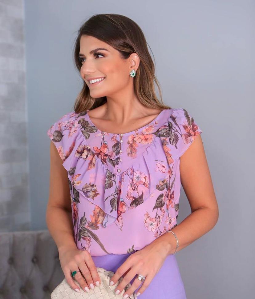 Blusa Ariane Crepe  Floral Detalhe Botão E Babado