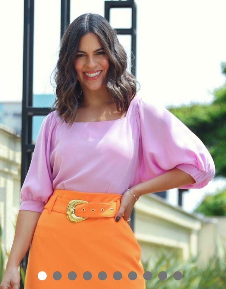 Blusa Beatriz Crepe Detalhe Decote Quadrado