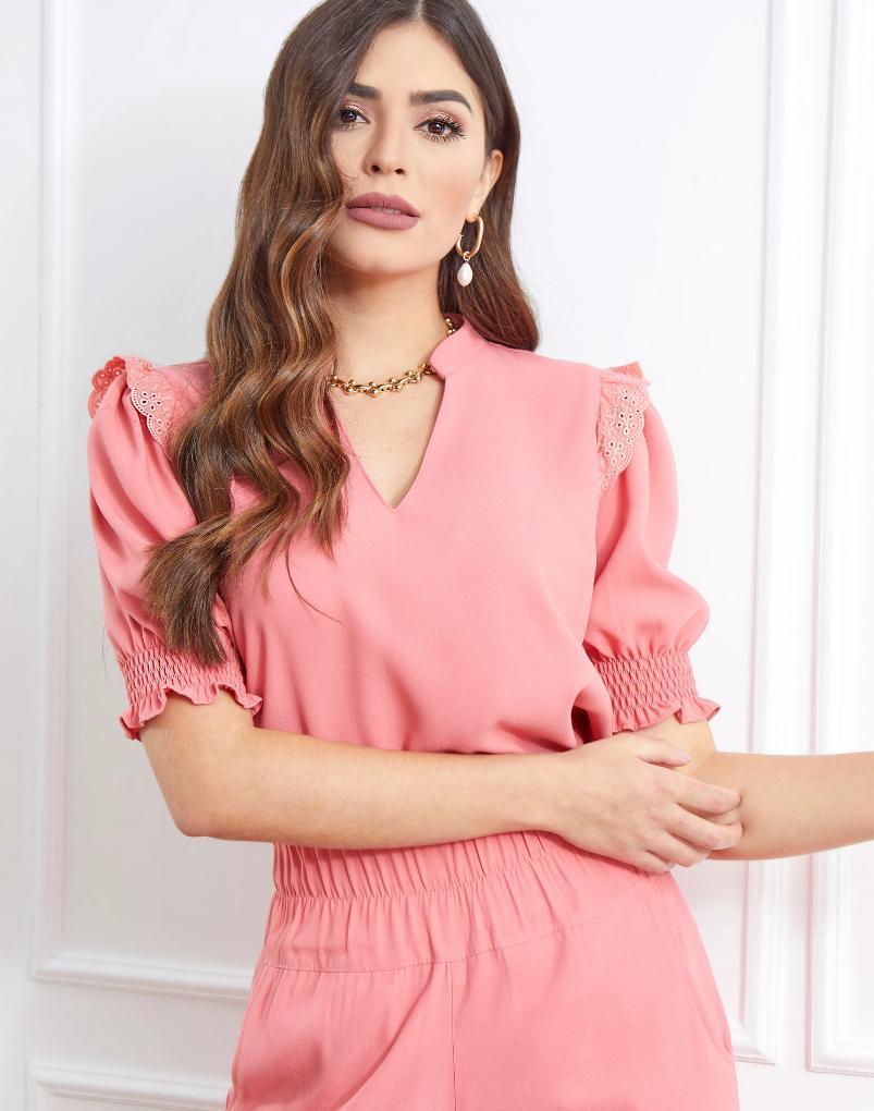 Blusa Bianca Crepe Detalhe Renda