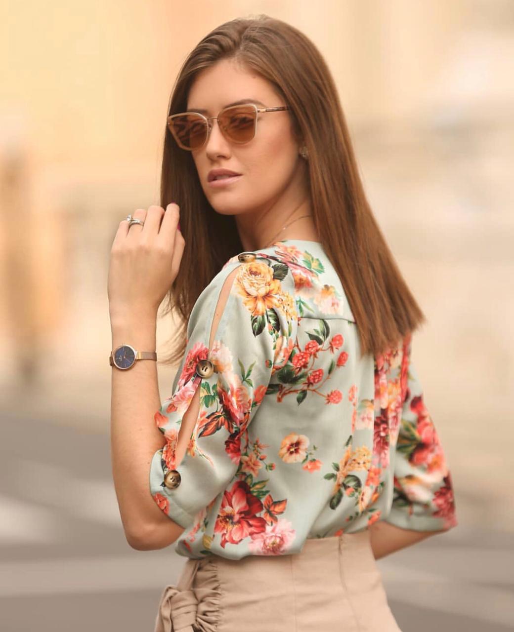 Blusa Cristina Crepe Floral Detalhe Botões