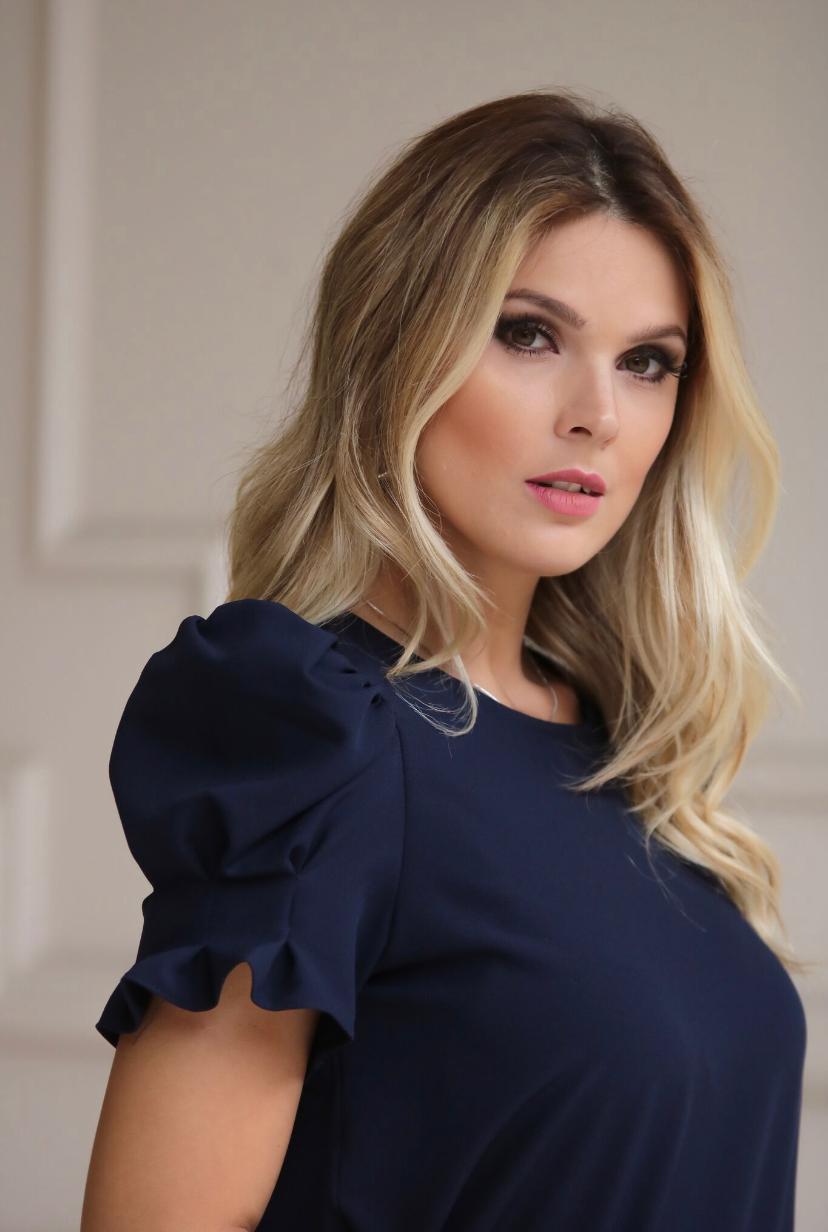 Blusa Daniela Crepe  Manga Puff e pregas Marinho